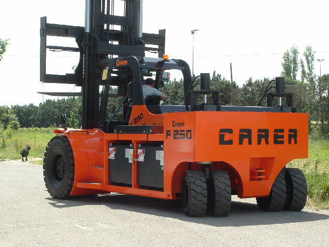 Empty container handling 55,000 lbs outdoor electric forklift